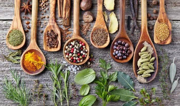 چاقی با عرقیات گیاهی